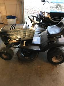 Riding lawn mower tractor (Dacula)