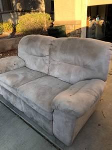 Free recliner sofa (Summerlin)