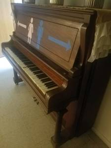 Free Piano! (Henderson, MN)