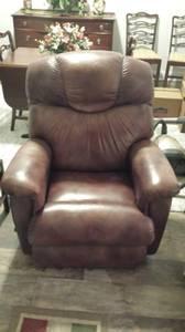 Lazyboy Brown Leather Recliner (Myrtle Beach - Sago Plantation)