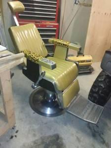 Emil J Paidar Barber Chair (Kasilof)