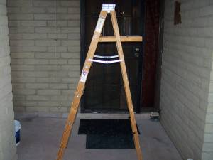 6ft Wood Step Ladder (East Tucson)