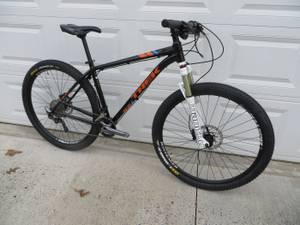 2017 /16 Trek 29er X Caliber 8 mountain bike upgraded (Salisbury)