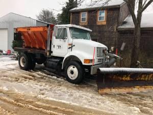 International 8100 sander plow ma state truck (Marthas Vineyard)