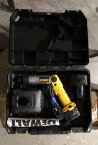 Dewalt DW920 Cordless Screwdriver Kit (Fayetteville)