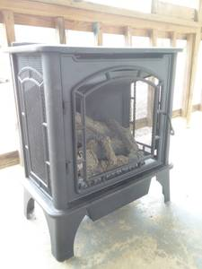 Heater - Gas Stove Black Dual Fuel with Remote Control (Gainesboro)
