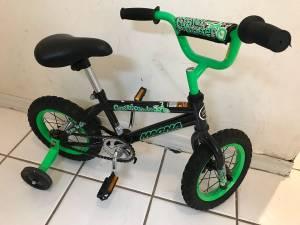Green magna 12 toddler bike with training wheels (Pembroke Pines)