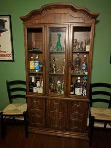 China Cabinet; Dining Room Hutch (Northeast Philly)