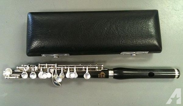 Orpheo OR115 Piccolo W/Case - $325 (Killeen)