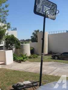 Basketball Hoop - $40 (Apopka)