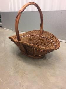 Very special beaded basket (McLean)