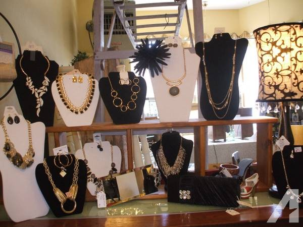 New Jewelry, New Purses, Scarfs, Hair Acessories and Much More