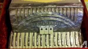 Titano Accordian 120 Base with Case - $200 (New Ulm)