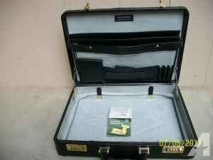 Men's Leather Briefcase - $30 (Bellevue)