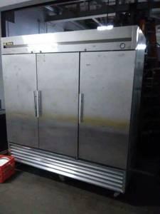 Refrigerator Or Freezer (1900 N Austin Av)