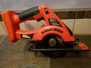 18v Black and Decker Power Circular Saw (Roseville)