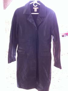 ladies leather coat (Elizabethtown)