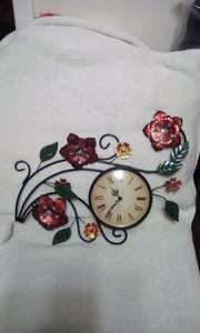 Beautiful wall clock (North Raleigh)