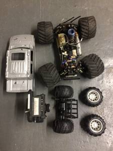 RC Gas-run all-train Truck with extra tires and accessories (Cambridge)