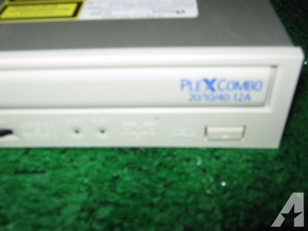 Plextor Plex combo drive = CD-R/W- DVD drive