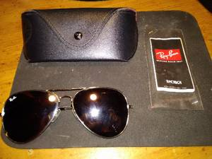 Ray Ban Sunglasses with Case (Norwood)