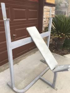 Weight bench (Hanford)