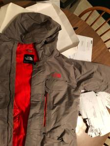 Brand New Northface Hooded Coat (Louisville)