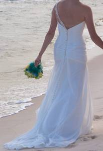 Wedding Dress Size 8 (21st and 127th)