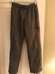 Boys Under Armour sweat pants (St. Matthews)
