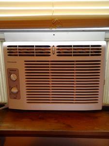 Air conditioners/ frigidaire