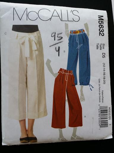 McCall's Pattern M5632 Misses Crop Pants with belt Size D5