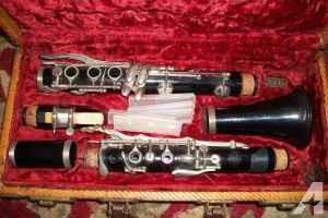 Bundy Clarinet With Case. Vintage. Mint cond. - $20 (Cincinnati westwood)