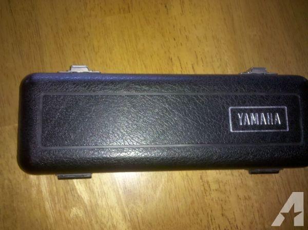 PICCOLO - YAMAHA YPC-30 Piccolo Flute w/ Case - $350 (Virginia Beach)
