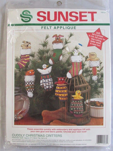 Sunset Felt Applique Kit Cuddly Christmas Critters Mittens &