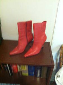 WOMEN'S SHOES SIZE 7 RED CHARISSE LEATHER BOOTS (Mt. Vernon)