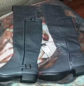 Brand new woman boots (Shepherdsville)