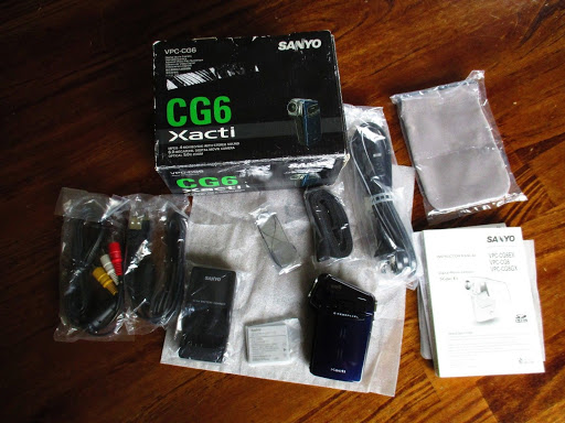 Sanyo VPC CG6 Xacti 6 MP Digital Movie Video Camera 5x Zoom