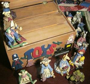 MAGGIE'S TOYBOX (complete with all 12 collectible figures) (Homestead)