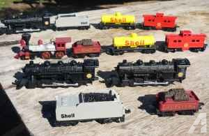 DIE CAST TOY TRAINS Ho scale ( NOT ELECTRIC OR BATTERY ) - $20 (reedley)