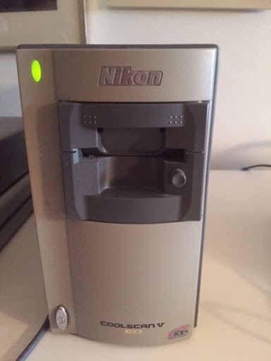 Nikon Coolscan V 5000 aED ( LS-5000ED) 35MM Film Scanner