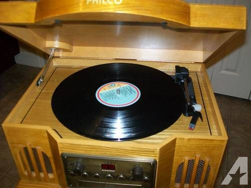 Philco Capital Turntable Stereo System w/ CD/Cassette Player