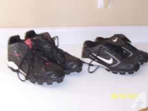 Football Cleats - $10 (Pueblo West)