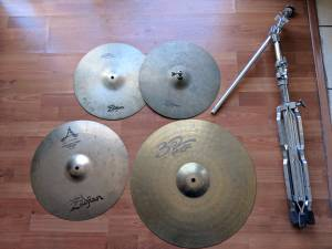 VARIOUS ZILDJIAN / PAISTE CYMBALS (East Hollywood)