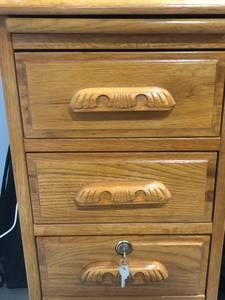 Roll-Top OAK Desk (w/keys) (Burke)
