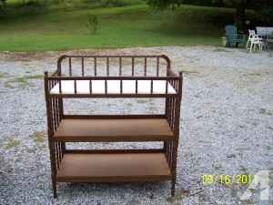 baby changing table - $25 (Murphysboro)