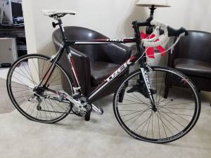 trek 1.2 road bike!! like new!!! large frame (dfw)