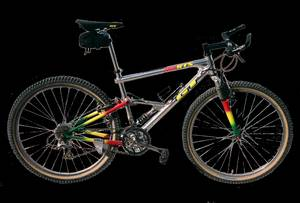 GT RTS-3 Full Suspension Mountain Bike