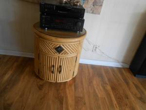 Tropical Bamboo/ Rattan round glass top table (boynton beach)