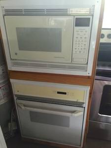GE Built in Oven and Microwave - With Guarantee (Near NW 15th and Meridian)