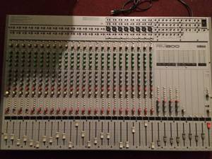 Yamaha 24 channel Mixer (S Eastern)